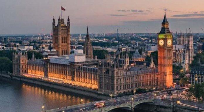 COVID-19/ Britania e Madhe zhytet në recesion