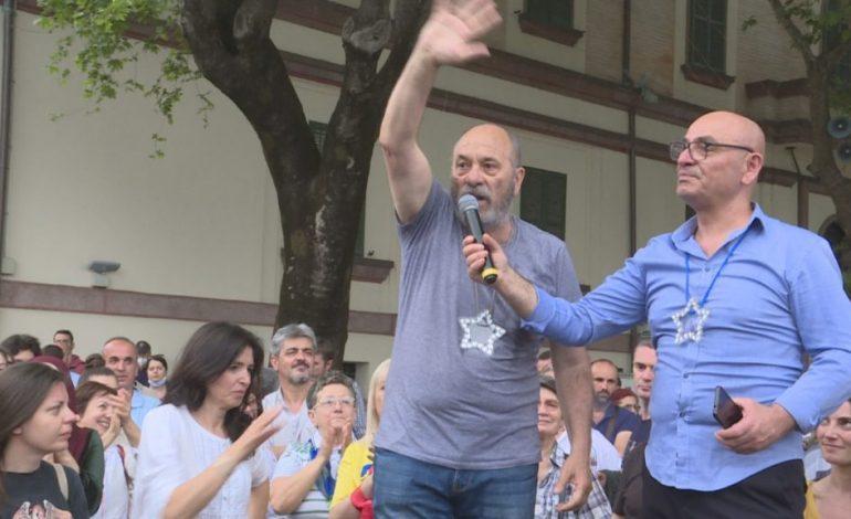 """""""KOKRRAT E LEGENAVE""""/ Aktivistja e Teatrit """"shpërthen"""" ndaj vëllezërve Budina: Si nuk ju vjen turp që shfrytëzuar kauzën tonë për të hyrë në listën e PD"""
