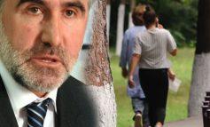 """""""DUA TË MAS PULSIN...""""/ Skandali në Kosovë, gruaja tregon se si ish-ministri e futi në dhomë, fiku dritën dhe…"""
