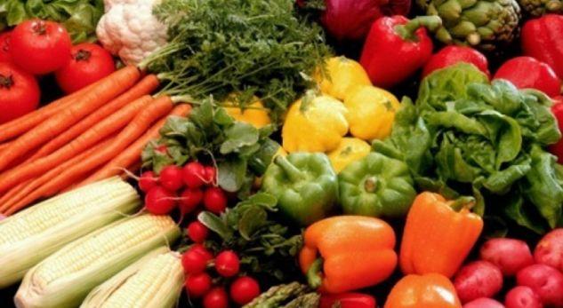 KORONAVIRUSI/ OBSH-ja hedh poshtë shqetësimet: Nuk ka të dhëna se COVID-19 përhapet përmes ushqimit