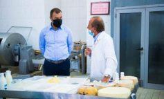 HISTORIA E NAZIFIT/ Që pas kthimit nga Italia në 1995 hapi biznesin që nuk njihej në Shqipëri, prodhimin e mozzarellës
