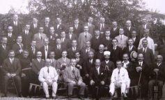DOSSIER/ Kur kandidatët për deputetë premtonin ujë, drita e rrugë, historia e panjohur e fushatës elektorale të 1921-it