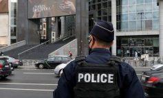 SULMI ME THIKË NË PARIS/ Autoritetet: Akt terrorizmi