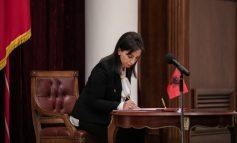 """""""DO ÇOJ PËRPARA REFORMAT""""/ Evis Kushi flet zyrtarisht si ministre e Arsimit: Përgjegjësi e jashtëzakonshme"""