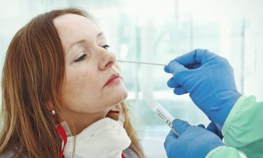 NGA ETHET TEK DIARREJA/ Studimi tregon radhën e shfaqjes së simptomave të Covid