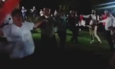 """""""KËTO VISE TË MREKULLUESHME DUHEN GJALLËRUAR...""""/ Momenti kur Meta ja merr VALLES në Dibër (VIDEO)"""