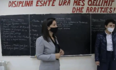 """""""ASNJË TOLERIM...""""/ Ministrja e re e Arsimit inspekton shkollat, porosi mësuesve: Duhet të jeni shumë të ashpër"""