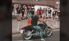 PERSONAZHI I DITËS/ Motoristi që ndali thirrjet anti shqiptare në Shkup tregon përse ktheu motorin kur dëgjoi...