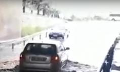 PËRKEQEËSIMI I MOTIT/ Përmbytet nënkalimi në Fushë Mamurras, automjetet detyrohen të...
