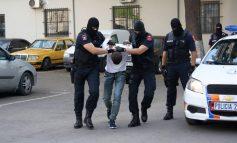 DREJTONTE MOTOMJETIN PA LEJE DREJTIMI/ Nuk i bindet policisë për të ndaluar! Arrestohet dhe zbulohet se mjeti ishte vjedhur jashtë shtetit