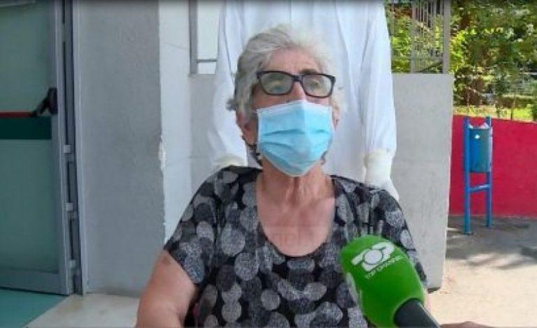 """""""KUJDES KUR BLINI…""""/ Flet 74 vjeçarja e shëruar nga COVID-19: Sëmundja është shumë e rëndë. Mos përjetoni…"""