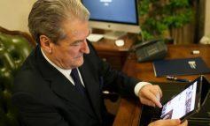 FAKTET/ Qytetari dixhital tallet sërish me Berishën, ish-kryeministri del blof me postimin për ministren e Arsimit