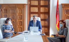 EKONIMIA SHQIPTARE GJATË PANDEMISË/ Guvernatori i BSH mbledhje me misionin e FMN: Lehtësimi i masave krijoi premisa që efekti të vijë...