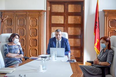 EKONIMIA SHQIPTARE GJATË PANDEMISË/ Guvernatori i BSH mbledhje me misionin e FMN: Lehtësimi i masave krijoi premisa që efekti të vijë…