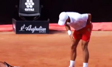 """U PEZULLUA NGA """"US OPEN""""/ Tenistin Djokovic e tradhtojnë sërish nervat në Romë (VIDEO)"""