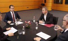 DËRGON DRAFTIN/ Opozita jashtparlamentare: Hapje 100% e listave dhe të ruhen koalicionet siç janë