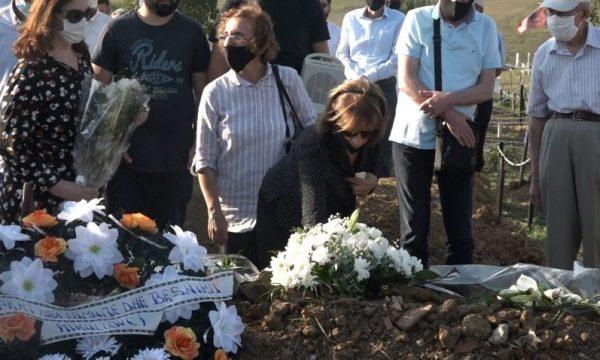 E JASHTËZAKONSHME/ Ish-deputeti kosovar dha shfaqje para familjes dhe vdiq në krahët e bashkëshortes