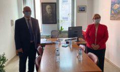 """""""NGRITJA E BYROSË, LAJM I KEQ PËR ATA QË NUK...""""/ Ambasadori britanik, Norman takim me kreun e BKH-së"""