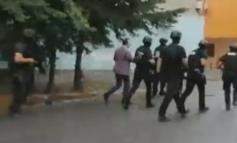 PRITET NDËRHYRJA/ Dy orë operacion për kapjen e 71-vjeçarit që QËLLOI mbi policinë, RENEA i afrohet banesës