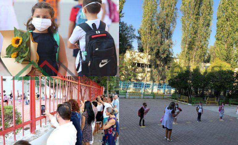 """NORMALITETI I RI/ Dita e parë e shkollës, si e kaluan nxënësit e mësuesit nën """"ethet"""" e COVID-19 (FOTO ALBUMI)"""