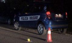 AKSIDENT NË AKSIN KORÇË-POGRADEC/ Automjeti del nga rruga, shoferi me bashkëshorten dërgohen në spital