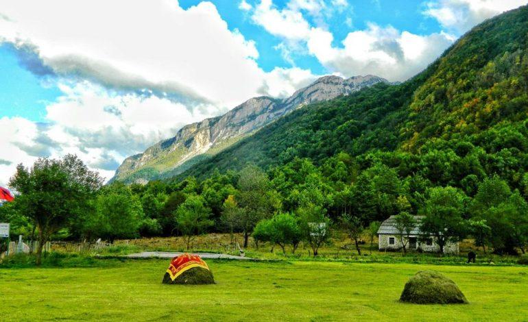 FRESKI DHE BUKURI NATYRORE/ Vermoshi, super destinacioni i alpeve shqiptare (PAMJET)