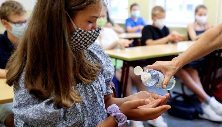 """""""FAKE NEWS"""" NË RRJET/ Ministria e Shëndetësisë e hedh poshtë: Nuk do të mbyllen shkollat"""