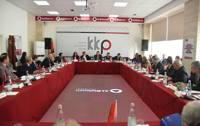 LAJM I MIRË/ Miratohet PAGA minimale 30 mijë lekë, Denaj: Ka qenë gjithmonë iniciativë e Qeverisë