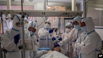 PANDEMIA/ Shqetësim në gjithë botën për rritjen e rasteve të koronavirusit