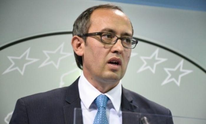 E PAPRITUR NË KOSOVË/ Kryeministri Hoti SHKARKON dy drejtuesit e lartë, 3 brenda pak orëve (EMRAT)