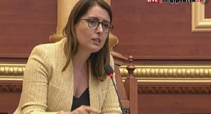COVID-19/ Manastirliu nxehet me Gjonin: Thuaj të vërtetën,  Shqipëria do të financojë për vaksinë të sigurt