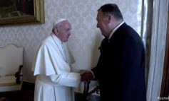PAPA FRANÇESKU REFUZON TAKIMIN ME POMPEO-N/ Vatikani: Nuk pranon politikanë gjatë një fushate zgjedhore
