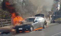 SHOFERJA.../ Automjeti merr flakë në lëvizje tek rrethrrotullimi i Saukut, ja çfarë thotë POLICIA