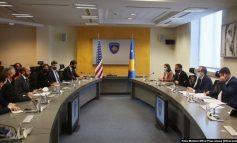 KOSOVË/ Hoti diskuton me një delegacion amerikan për nevojat ekonomike dhe energjetike...