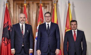 DEKLARATA/ Zbardhet takimi Rama-Vuçiç-Zaev: Kriza ka theksuar nevojën për bashkëpunim, ftojmë Kosovën t'i bashkohet...