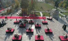 """28 NËNTORI/ Atmosferë festive në """"Sheshin Skënderbej"""", ja aktivitetet (VIDEO)"""