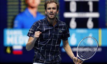 TENIS/ Zhgënjen edhe Nadal, rusi Medvedev sfidon Thiem në finalen e Londrës