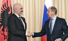 DITA E FLAMURIT/ Lavrov uron Ramën: Aktivizimi i kontakteve midis MPJ-ve do kontribuojë...