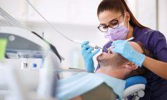 E PAZAKONTË/ Studimi: Të shëruarve nga koronavirusi po u bien dhe dhëmbët