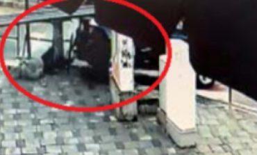 """AKSIDENTI I RËNDË TEK """"5 MAJI""""/ U përplas nga shoferja teksa priste tek vijat e bradha, qytetari humb të dyja këmbët"""