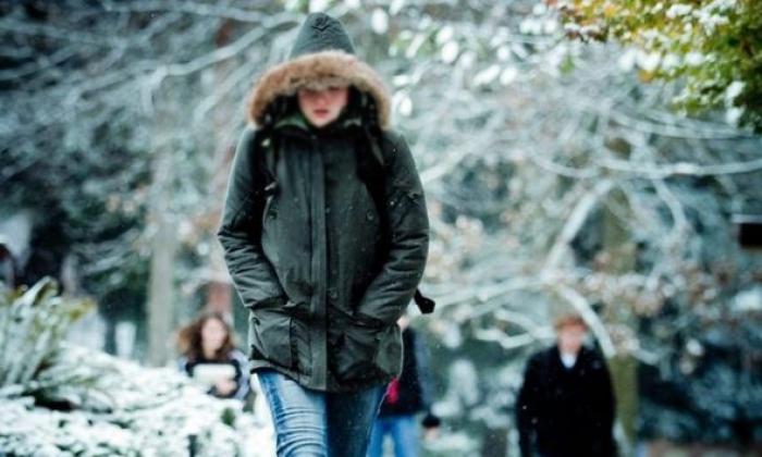 DIELL DHE TEMPERATURA TË ULËTA/ Mësoni parashikimin e motit për sot. Ja ku pritet dëborë