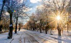 """""""MREKULLIA"""" E DIMRIT/ Shijoni PAMJET nga Pogradeci, nën shoqërinë e dëborës (FOTOT)"""