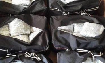 U KAPËN ME 21 KILOGRAM DROGË NË ÇANTË/ 2 korçarët kapen mat në kufi me Greqinë