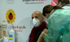 MORI DOZËN E PARË TË VAKSINËS/ Pëllumb Pipero infektohet me COVID-19