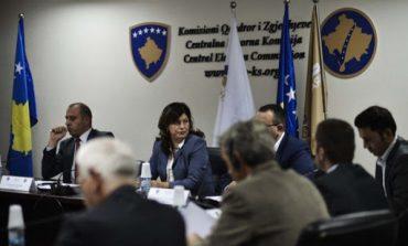 ZGJEDHJET NË KOSOVË/  KQZ nuk certifikon listat e Lëvizjes Vetëvendosje, AAK-së e Nismës