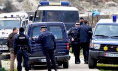 TENTUAN TË GRABISNIN DYQANIN E CELULARËVE NË FIER/ Dy shokët bien në prangat e policisë, u pikasën nga… (EMRAT)
