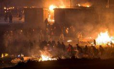 E RËNDË/ Bie zjarr në kampin e refugjatëve në Thiva të Greqisë, humb jetën 7-vjeçari