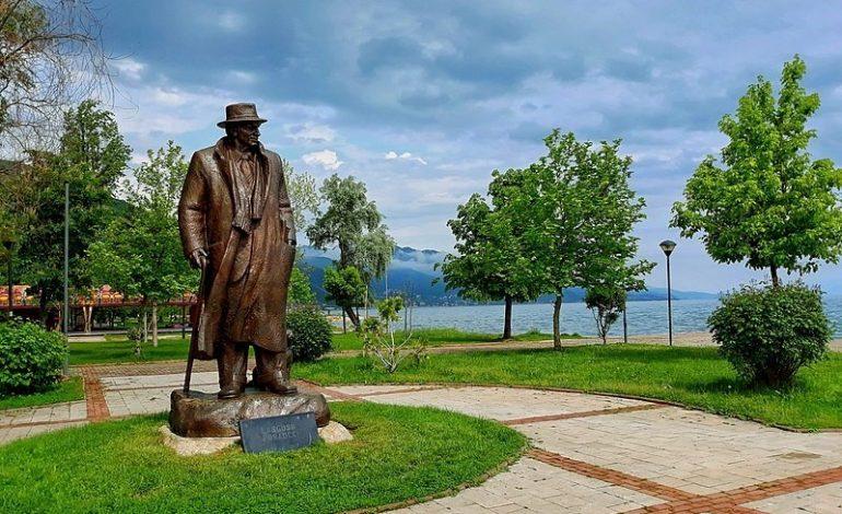"""""""BRENDA VITIT DO JETË…""""/ Shtëpitë e Mitrush Kutelit dhe Lasgush Poradecit drejt muzealizimit"""