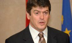 PAS KOALICIONIT ME PD/ Bamir Topi jep dorëheqjen nga drejtimi i Frymës së Re Demokratike