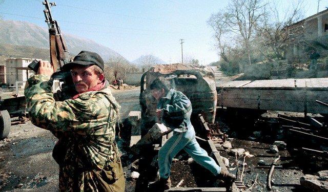 """DOSSIER/ Rrëfimi i """"shefit të FNSH"""", që vuajti 15 vite në burgjet komuniste: Pasi luftuam 12 orë…"""